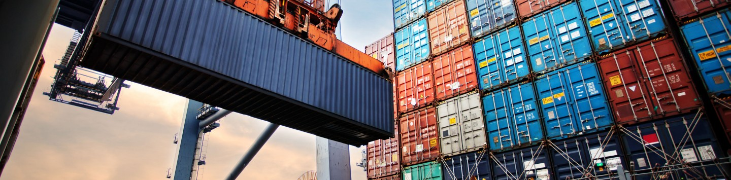 container-loading-cargo-freight-ship-industrial-crane